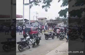 En Zaraza: turba enardecida arremetió contra la GNB (+Video) - ACN ( Agencia Carabobeña de Noticias)