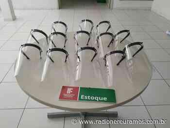 IFC Campus Blumenau entrega máscaras de proteção para instituições de saúde do município - Radio Nereu Ramos