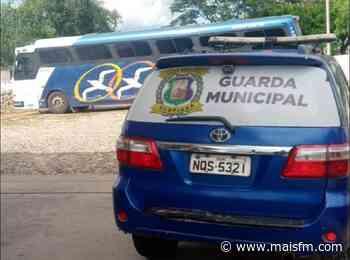 Acopiara: Ônibus clandestino vindo de São Paulo é apreendido pela Guarda municipal - MaisFM