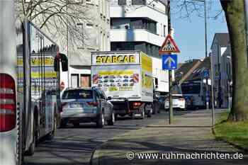 Konrad-Adenauer-Straße: Bauarbeiten gestartet, Stau auf der Umleitung - Ruhr Nachrichten