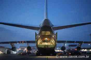 IMAGENS: Aeronave An-124 chega em Brasilia trazendo 6 milhões de máscaras para empresa privada - Cavok Brasil