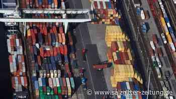 """Ruhe vor dem Sturm"": Export im Februar noch leicht gestiegen"