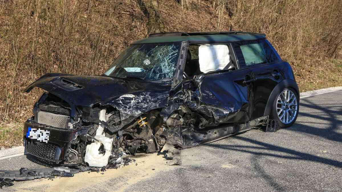 Unfall mit Verletzten bei Strullendorf - 50.000 Euro Schaden - BR24