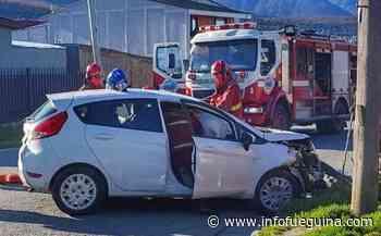 Violento choque entre dos autos en una esquina de Ushuaia - Infofueguina