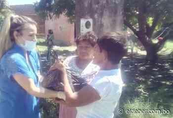 Esposas de militares navales entregan víveres a familias humildes en Puerto Quijarro - EL DEBER