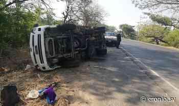 Camión vuelca en la carretera El Litoral, en San Miguel - Diario Digital Cronio de El Salvador