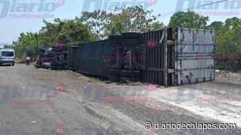 Tráiler vuelca en la 'curva del diablo' del tramo Huixtla-Tapachula - Diario de Chiapas