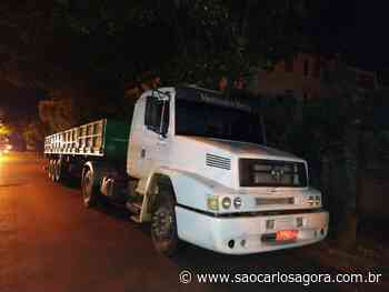 Caminhão roubado em Santa Rita do Passa Quatro é localizado na SP-215 - São Carlos Agora