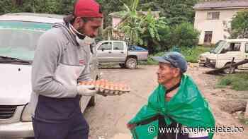 Jusino entregó 100 canastones a los abuelitos de Coroico - Diario Pagina Siete