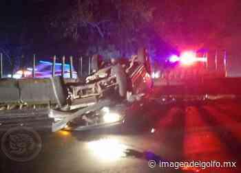 Vuelca camioneta en la autopista Cosoleacaque-Nuevo Teapa - Imagen del Golfo