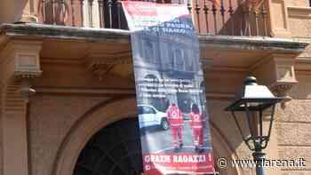 Grazie ai volontari della Croce rossa, striscione in Comune - L'Arena