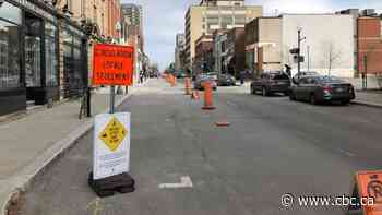 One-way sidewalks? Westmount taking measure to reduce close contact - CBC.ca