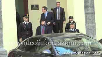 Carlo Sibilia visita il Pellegrini e la caserma Pastrengo di Napoli - videoinformazioni