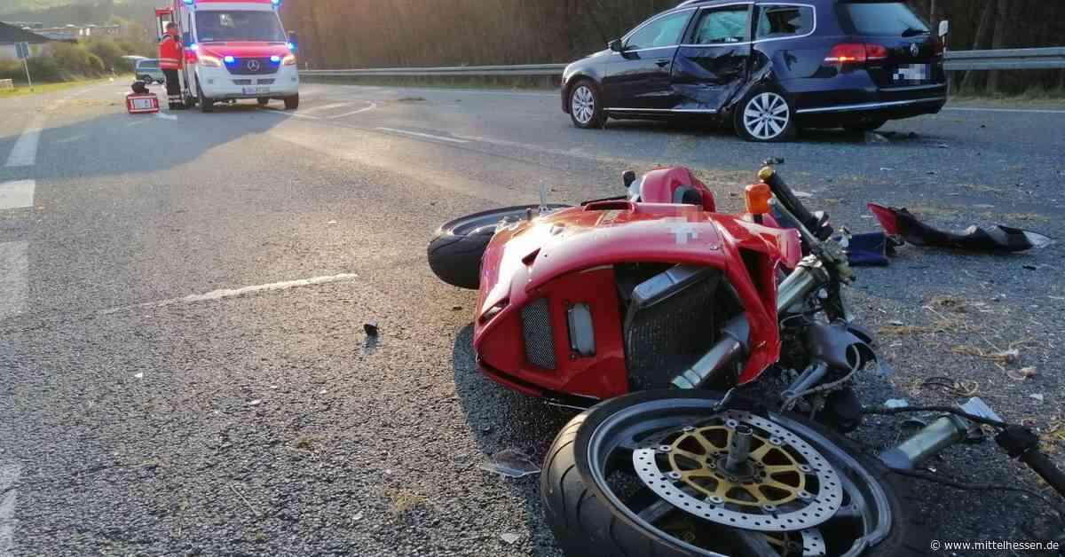 Kradfahrerin bei Unfall auf B253 bei Eschenburg schwer verletzt - Mittelhessen