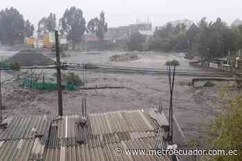 Desbordamiento de río en el sur de Quito provoca colapso de casas - Metro Ecuador