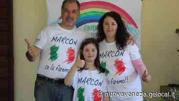 """""""Marcon ce la faremo"""" a 10 euro: la maglietta solidale va a ruba - La Nuova Venezia"""