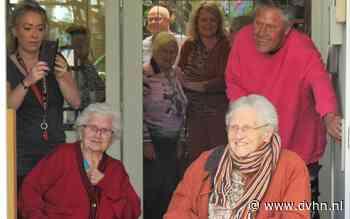 Johanna Tjaaktje Tonkes-Hollé uit Noordbroek is 102 jaar oud. Jarig in coronatijd. Dat gaat zo - Dagblad van het Noorden
