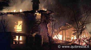 Adro, incendio a Pasqua distrugge baita e un deposito - QuiBrescia - QuiBrescia.it