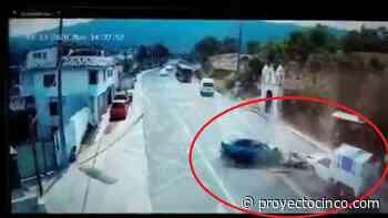 Camara de videovigilancia capta tremendo accidente en la Teziutlan-Perote - Informativo ProyectoCINCO