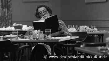 Hannah-Arendt-Ausstellung im DHM - Bilder von einer anderen Arendt - Deutschlandfunk Kultur