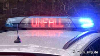 Unfall bei Zell unter Aichelberg: 83-Jährige im Auto eingeklemmt – Schwere Verletzungen - SWP
