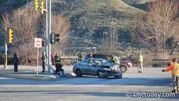 Rear-ender disrupts morning traffic in Valleyview - CFJC Today Kamloops