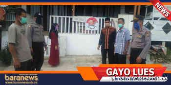 Camat Putri Betung Bantu Sembako Kepada 3 Kepala Keluarga di Uning Pune - Baranews Aceh