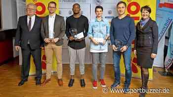 Wahl zu Schleswig-Holsteins Fußballer des Jahres 2019: Ahmet Arslan, Madeline Gieseler und Rolf Landerl auf dem Treppchen. - Sportbuzzer