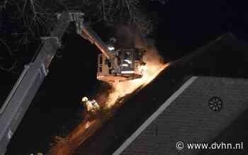 Schoorsteenbrand slaat over naar rieten dak in Wapserveen - Dagblad van het Noorden