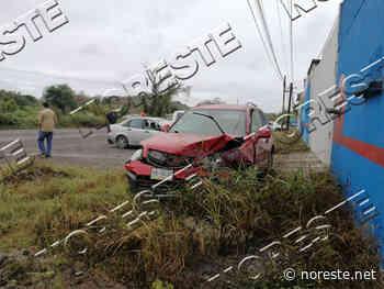 Bache lo saca del camino carretera Poza Rica-Tihuatlan - NORESTE