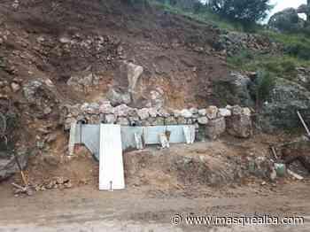 La Junta reconstruye un muro en la carretera de Ayna - Masquealba.com