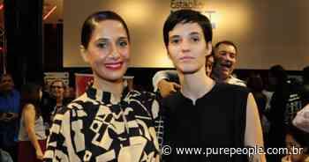 Namorada de Camila Pitanga faz foto da atriz na cozinha: 'Alquimia' - Purepeople.com.br
