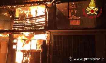 L'incendio distrugge il cascinale - La Prealpina