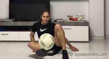Carolina Arbeláez enseña a levantar el balón e invita a los hinchas - Liga Deportiva Postobón