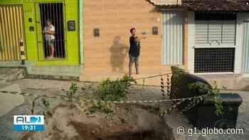Moradores reclamam de cratera aberta há mais de um mês em Bebedouro - G1