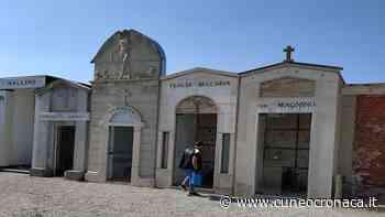 MONDOVI'/ Cimiteri chiusi ma i volontari della Protezione civile si occupano della cura di tombe e fiori - Cuneocronaca.it - Cuneocronaca.it
