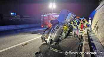 Orbassano, incidente in tangenziale: auto contro il muro, ferito 35enne [LE FOTO] - Cronaca Qui