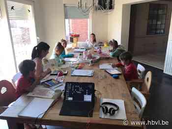 Gezin met 8 kinderen toont hoe ze aan preteaching doen - Het Belang van Limburg