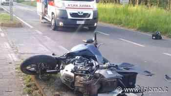 Incidente a Casatenovo, si schianta contro il semaforo: grave motociclista di 45 anni - IL GIORNO