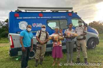 Policiais entregam cestas básicas e ajudam 70 famílias de Serrinha - Varela Notícias