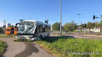 Neckarsulm: Bus-Unfall mit Mega-Schaden! | Region - echo24.de