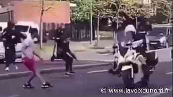 Hem: des motards de la police pris à partie, deux personnes interpellées - La Voix du Nord