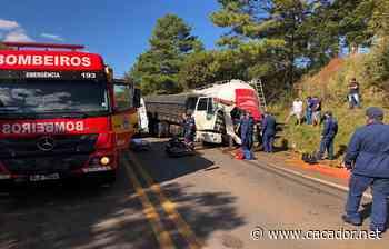 Trânsito: Caminhão de Fraiburgo carregado de maçã se envolve em acidente - Caçador Online