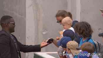 French Open 2019: Philipp Kohlschreiber saves baby's sweat bands - Eurosport.co.uk