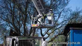 Brände in Hamburg: Feuerwehr rückt zu drei Großeinsätzen aus - Süddeutsche Zeitung