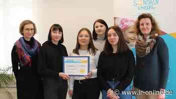 Elsterschlossgymnasium: Schüler aus Elsterwerda helfen durch Kunst krebskranken Kindern - Lausitzer Rundschau