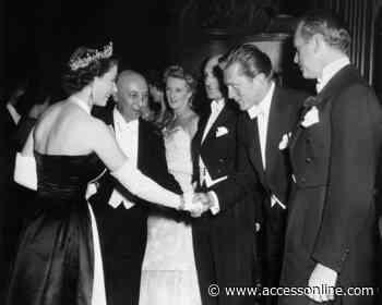 Catherine Zeta-Jones Shares Rare Photo Of Queen Elizabeth Meeting Kirk Douglas - Access