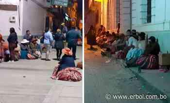 En Sorata, adultos mayores hacen fila desde un día antes para cobrar Renta Dignidad - Red Erbol