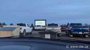 Hundreds turn out for contact-free, drive-in movie night in Redcliff, Alberta - CBC.ca
