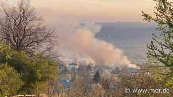 Millionenschaden nach Brand im Gewerbehof Heidenau - MDR